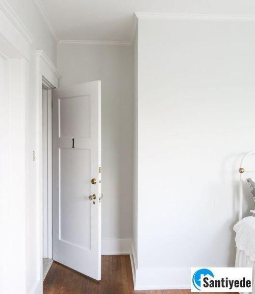 Grimsi beyaz duvar boyası