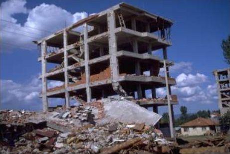 Deprem yan binaya etkisi