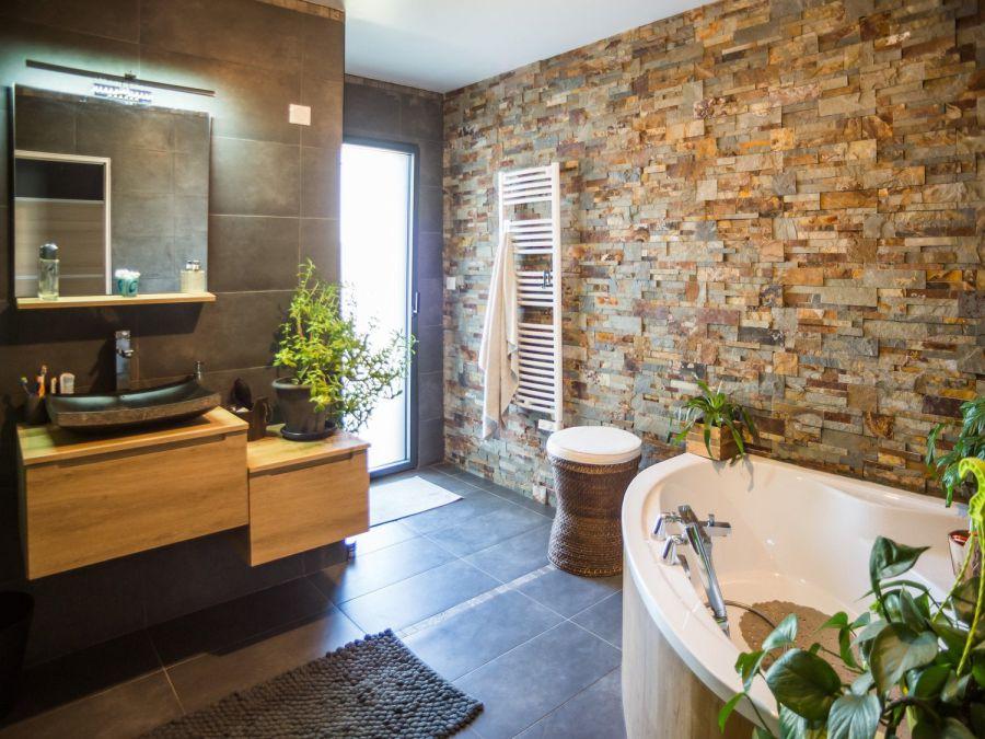 banyo dekorasyonu doğal taş kaplama