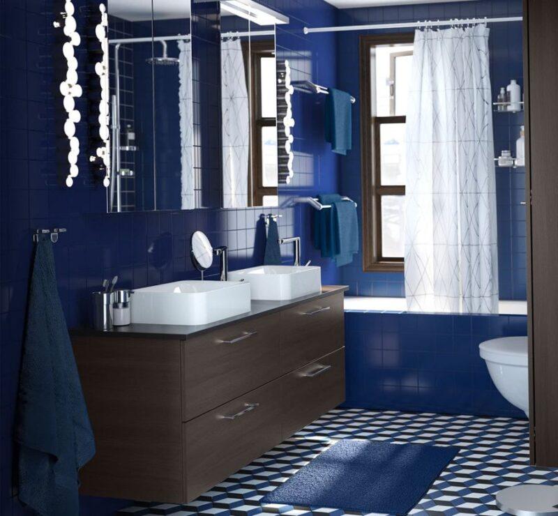 Mavi banyo dekorasyon yapılması