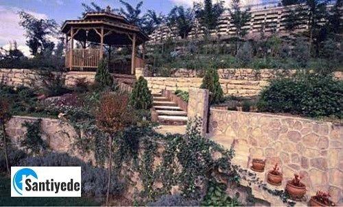 doğal taş ile yapılmış duvar