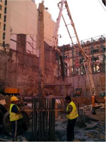 Şekil 4 : Tiremi boruları ile yapılan kazık betonlaması.