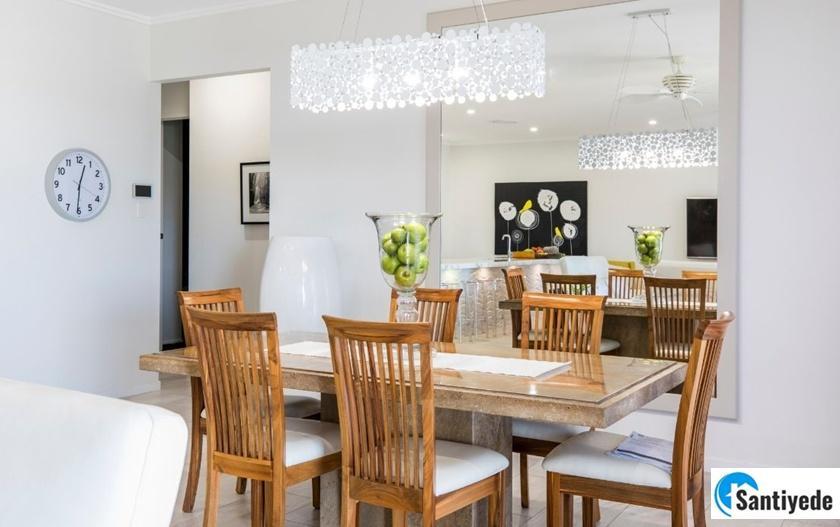 dekoratif ayna ile evi güzel gösteren aksesuarlar