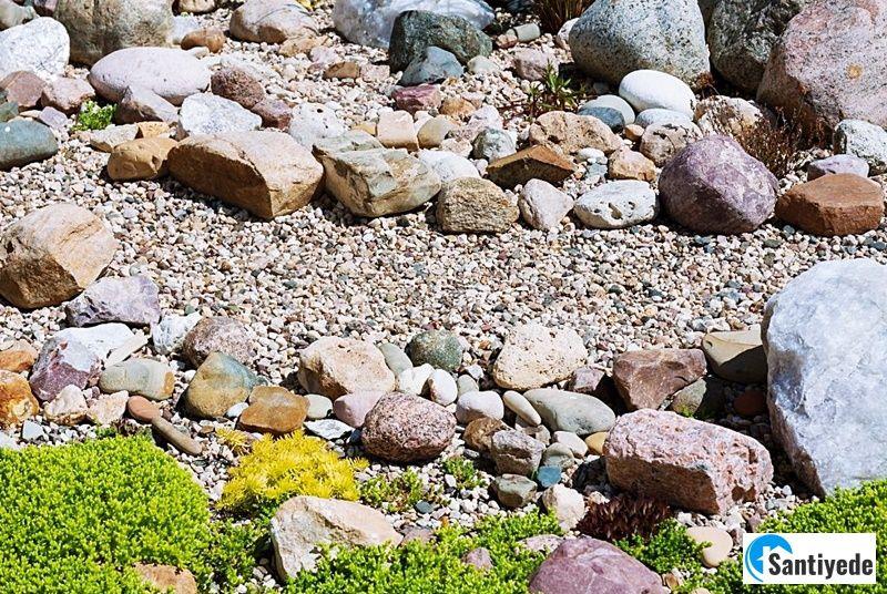 Doğal Taşlarla Bahçe Düzenlemesi