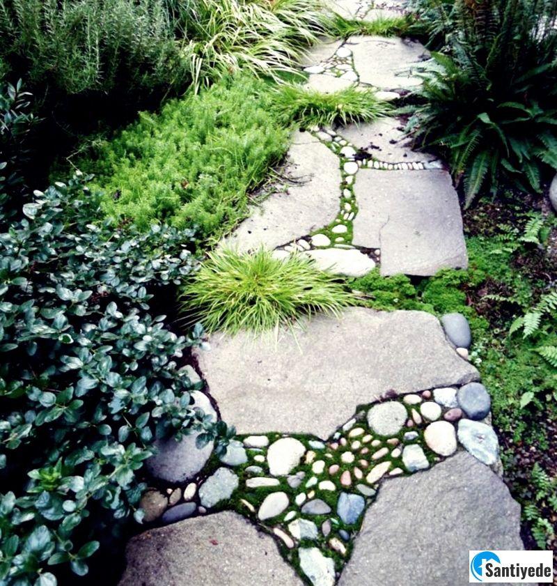 Bahçe yolunda doğal taş kullanımı