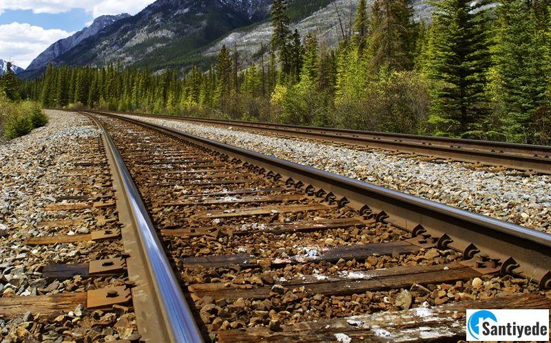 Ahşap travers demiryolu