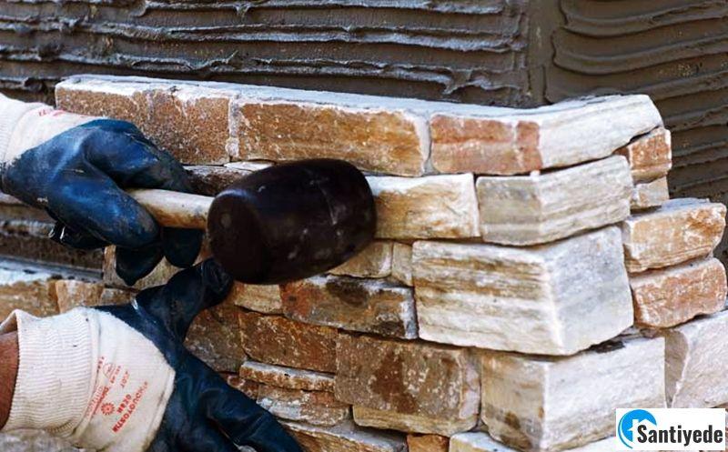 Bahçe duvarında taş seçimi