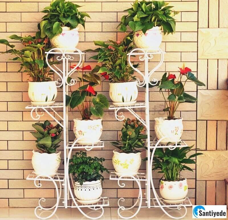 Kapalı balkon çiçeklik