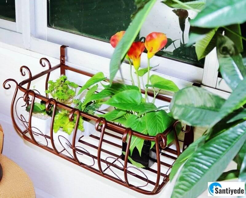 ferforje balkon çiçeklik