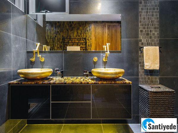 Siyah altın rengi banyo