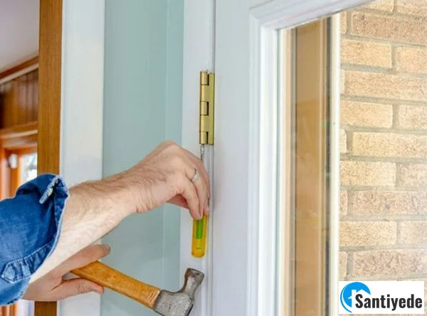 Kapı menteşelerinin yenilenmesi